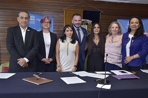 Firma del compromiso para colaborar con la eliminación de la violencia hacia las mujeres en México
